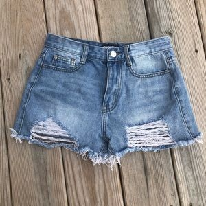 Distress Jean Shorts from Nasty Gal